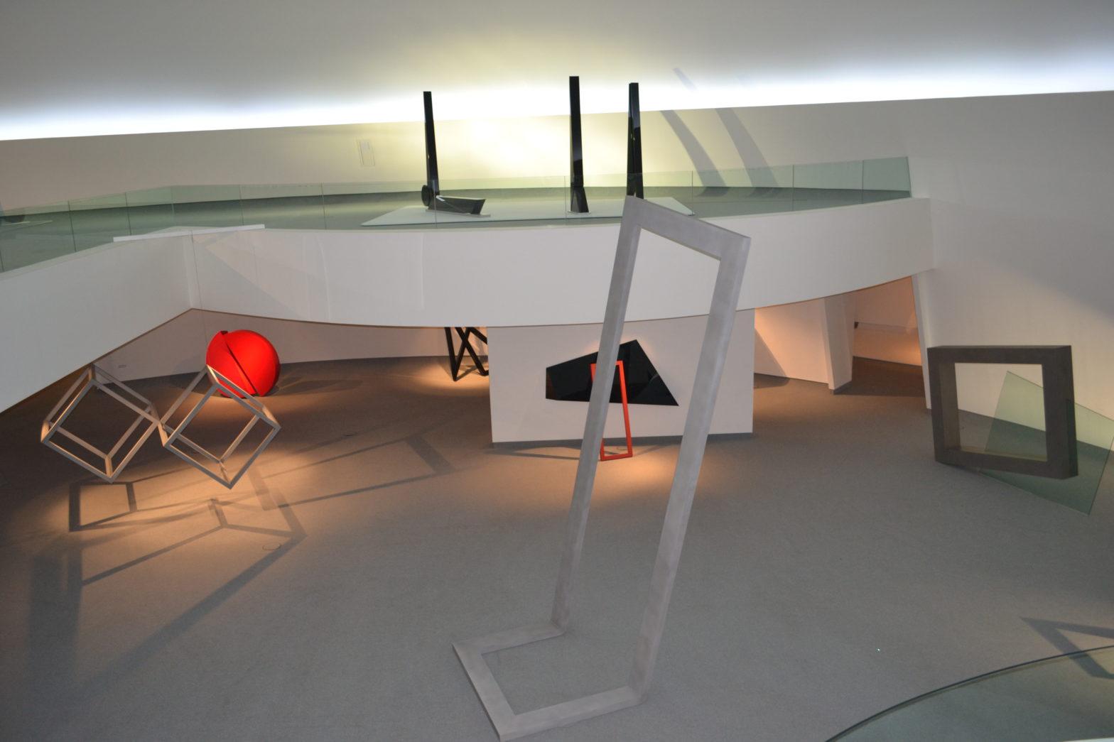 Exposición de Herminio en la Cúpula del Centro Niemeyer