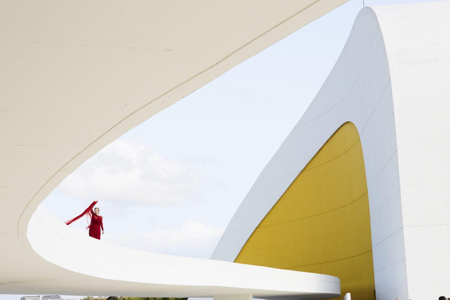 Amanda Coogan Centro Niemeyer