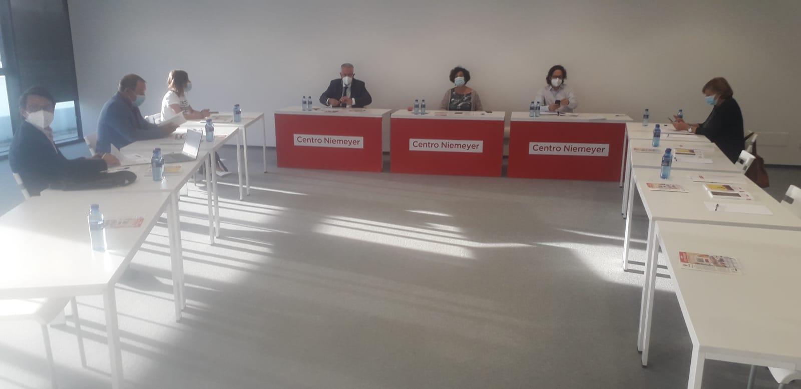 Reunión del Patronato del Centro Niemeyer